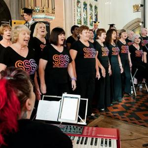 Andi Lisa and Choir at Bury Cathedral 2017